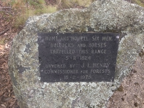 Plaque at Hume & Hovel Lookout on Snubba Rd
